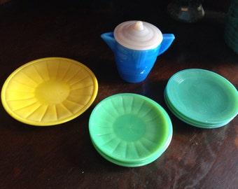 Vintage Child's Akro Agate Tea Set pieces