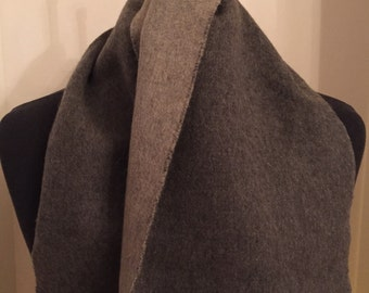 Jaeger Scarf, Cashmere and Wool, Grey, Made in Great Britain, Soft and Luxurious
