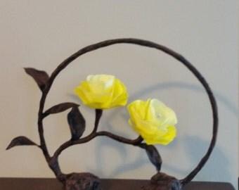 Romantic yellow rose lamp