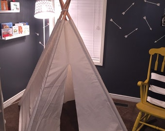 Kids teepee play tent in natural canvas