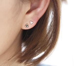Triangle Dots Stud Earrings.Three Dots.Triplet balls,925 sterling silver earrings,Geometric earring,Minimalist jewelry,Bridesmaid gift,
