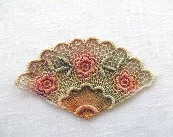 Fan Applique with Flowers Hand-dyed Venise Lace 6018D