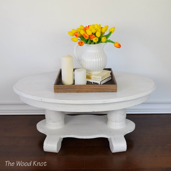 White Coffee Table Oval: Oval White Coffee Table. Painted And Distressed In White Chalk