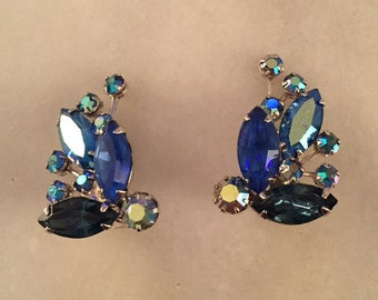 Vintage Weiss blue aurora borealis rhinestone earrings