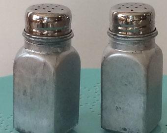 Mirror Glass Salt an Pepper Shakers