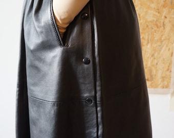 Distracts me / skirt leather / Leather Skirt / Vintage / Midi skirt / Black / size 36