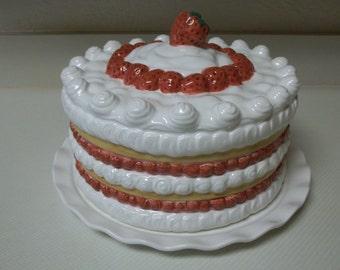 Strawberry Cake Dome
