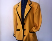 Christian Dior Blazer - 80s Vintage - Size 10, yet fitted...today's size 8 for sure. Too Fresh.