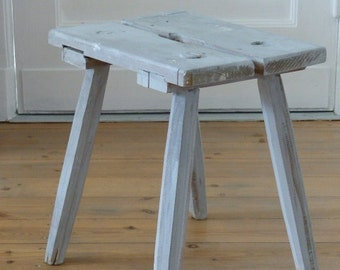 Vintage country Schemel with long legs / vintage country style stool
