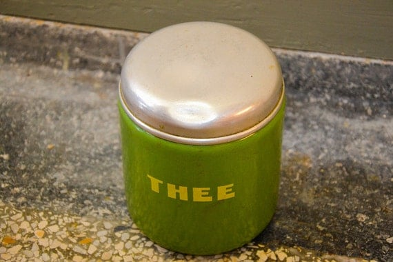 Enamel Tea canister / tin