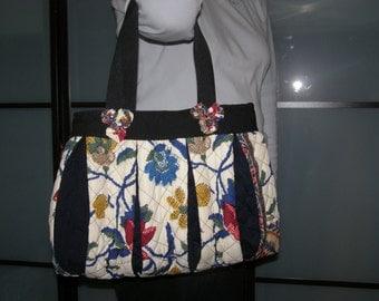 Handbag black and printed flowers