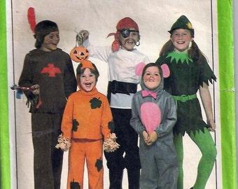 Mouse, Pumpkin, Indian, Pirate, Elf Costumes - Costumes de souris, de citrouille, d'indien, de pirate et d'elf