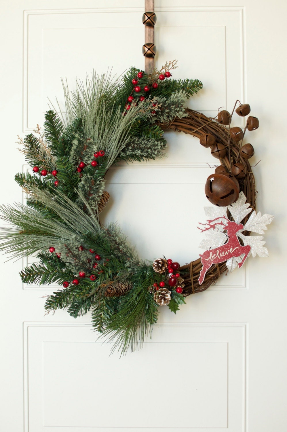 Rustic christmas wreath 25 grapevine reindeer christmas for How to make christmas door wreaths