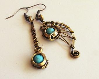 Asymmetric ethnic earrings - brass / turquoise