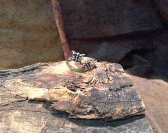Sterling Silver butterfly ring. Size 6.