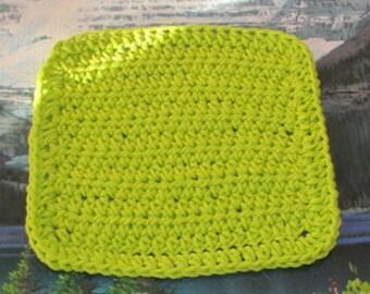 0257 Hand crochet dish cloth 6.5 by 6