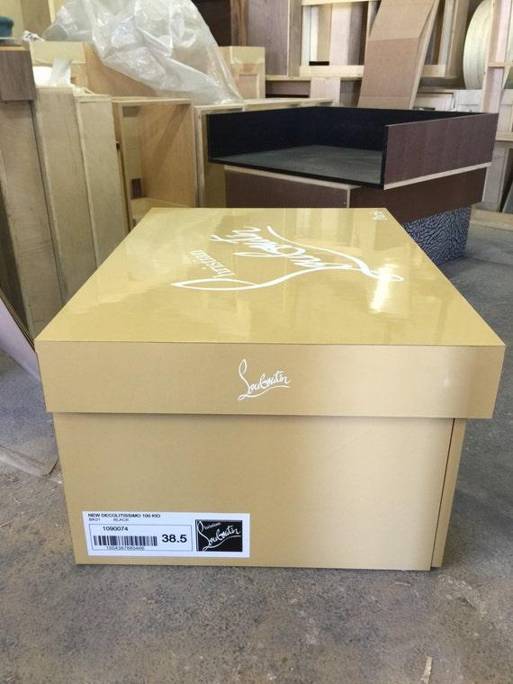 boite chaussure geante louboutin