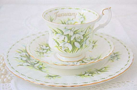 Vintage Royal Albert Bone China 'Flower of the Month' Series January 'Snowdrops' Breakfast Set, Large Cup and Saucer and Breakfast Plate