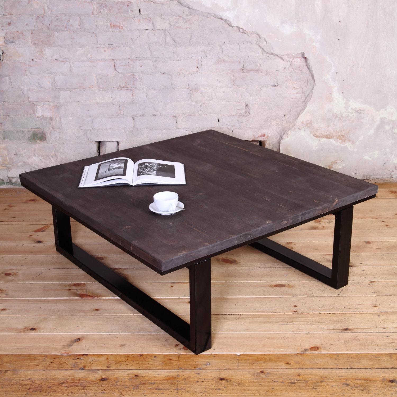 table basse moderne de style industriel. Black Bedroom Furniture Sets. Home Design Ideas