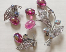 Vintage Watermelon Art Glass . Brooch & Earring Set . Rhinestones . Silver Toned . Era. 1960's