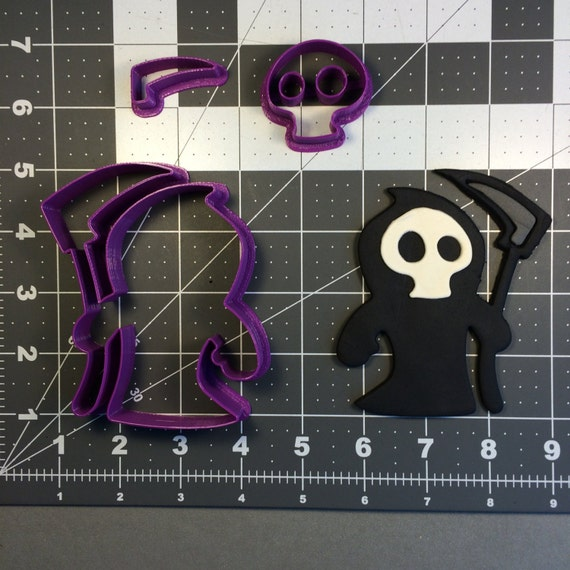 You can buy theGrim Reaper 101 Cookie Cutter Set - Kato Baking Supplies here