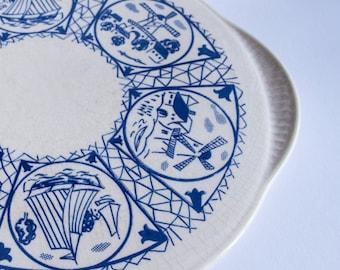 Cake Platter Blue and White Frisian Design