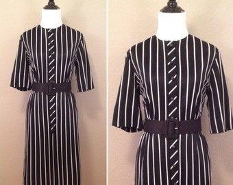 1960s black and white stripped 3/4 sleeve Patty Petite dress/ size small medium