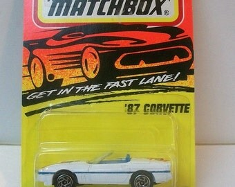 1996 Matchbox Superfast 87 Corvette #14 White Convertible 1/64 Scale Diecast Vehicle New on Card