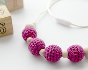 Pink Crochet Teething Necklace Wood Bead Nursing Necklace Fuchsia Baby Wearing Necklace Sensory Toy Mama Style Organic Baby Gift for New Mom