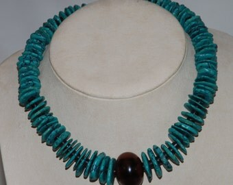 Magnesite Bead Necklace w/ Graduated Disc Beads + Wood Pendant