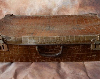 Vintage  Suitcase, Brown , lovely to use for storage. Retro, shabby chic, vintage luggage