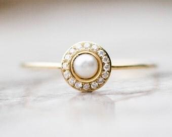 June's birthstone: Pearl