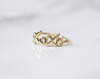 Gold XoXo Ring