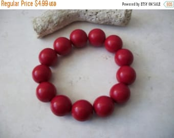 ON SALE Retro Chunky Vivid Red Plastic Beads Bracelet 102916