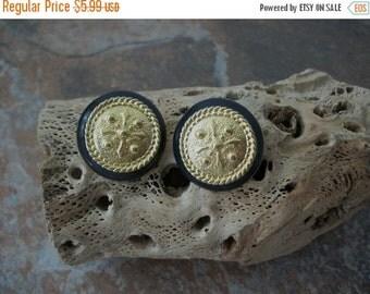 ON SALE Vintage Casual Corner Gold Black Earrings 1583