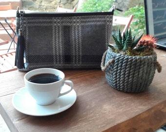 Knit Clutch; Gray Clutch;Handmade Clutch; Knit Clutch with Leather handle