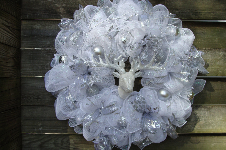 Elegant White Mesh Winter Christmas Wreath White And Silver
