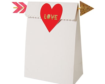 SALE - Heart paper treat bags. Valentine's party favor bag. Heart and arrow favor bags.  Valentine's Day gift bag. Valentine party favors.