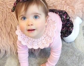 Pink crochet baby collar / Peter Pan collar / baby girl collar