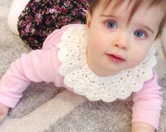 Off white crochet baby collar / Peter Pan collar / baby girl collar