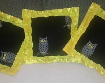 Owls 3 pc pillow set / decorative