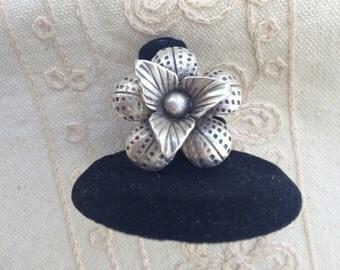 Vintage Silver Ring, Silver Flower Ring, Vintage Silver Flower Ring, Size 7.25 ring, vintage silver Ring, Silver Flower Ring,