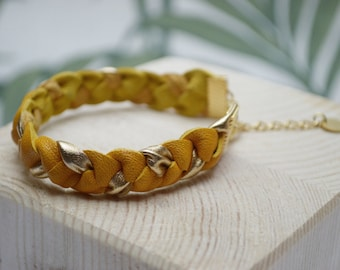 Lambs leather and fine gilded brass yellow, braided bracelet