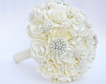 Wedding Brooch Bouquet, Ivory and  Gold wedding brooch bouquet, Classic heirloom broach bouquet, bridal bouquet, Gold  brooch,