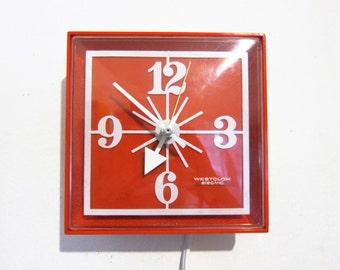 "Westclox ""Tart"" Red Electric Kitchen Wall Clock 1960s Mod"