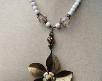 Vintage Style Aged Brass Flower Pendant Assemblage Necklace - NRU133