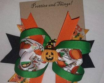 Halloween, stacked Hair bow, Pumpkin with witch hat, green, orange, black, Pumpkins