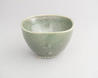 Small, squared green bowl