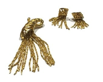 Vintage dangling chain brooch and clip on earrings gold tone set