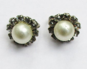 CORO Pearl & Crystal Earrings Silver Tone Clip On  Signed Vintage  Mid Century Jewelry, 1950s, Classic